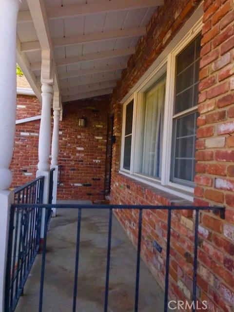6857 Quakertown Avenue, Winnetka CA: http://media.crmls.org/mediascn/3add70df-3803-47da-a791-f211cce4e996.jpg