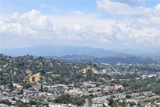 382 Elreno Street, Montecito Heights CA: http://media.crmls.org/mediascn/3afe34a9-af82-49b4-9cd0-24d6a3bdc14f.jpg