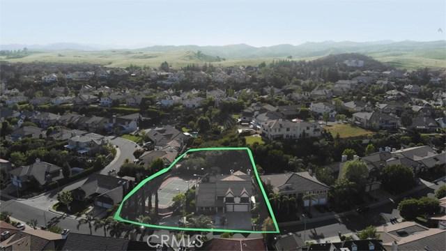 6023 Woodland View Drive, Woodland Hills CA: http://media.crmls.org/mediascn/3b0caca3-6604-4d78-b3a5-a46264691827.jpg