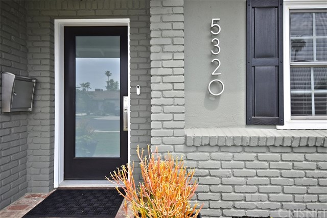 5320 Willis Avenue, Sherman Oaks CA: http://media.crmls.org/mediascn/3b2569d1-27ab-46e6-a742-a92e591a124e.jpg