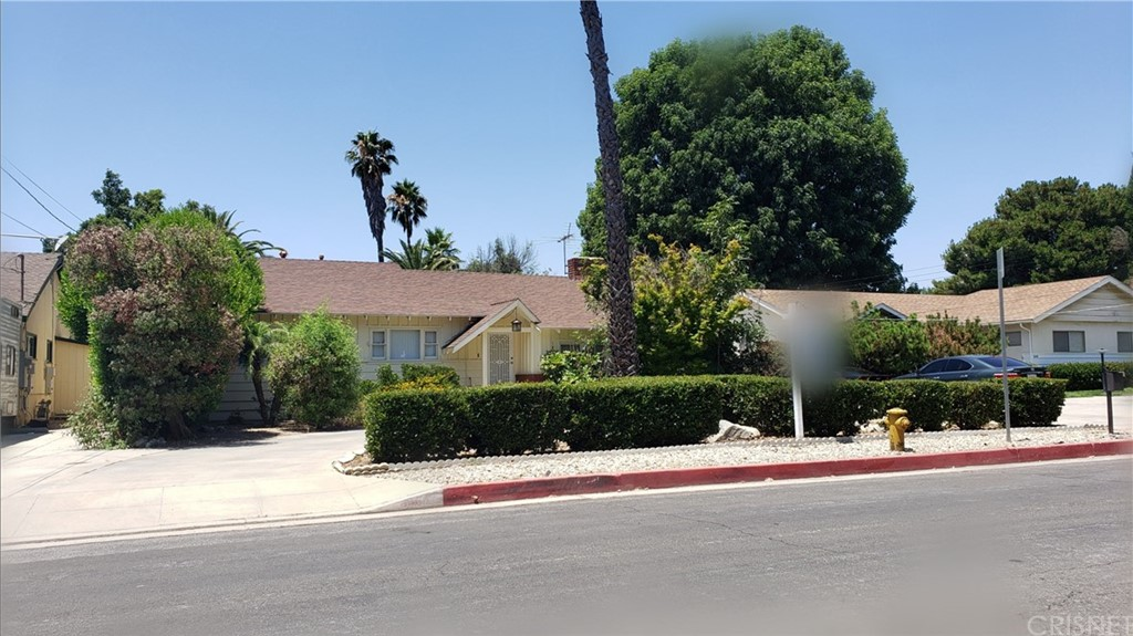 8601 AQUEDUCT Avenue, North Hills, CA 91343