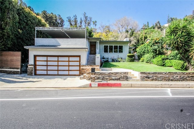 1556 Benedict Canyon Drive  Beverly Hills CA 90210