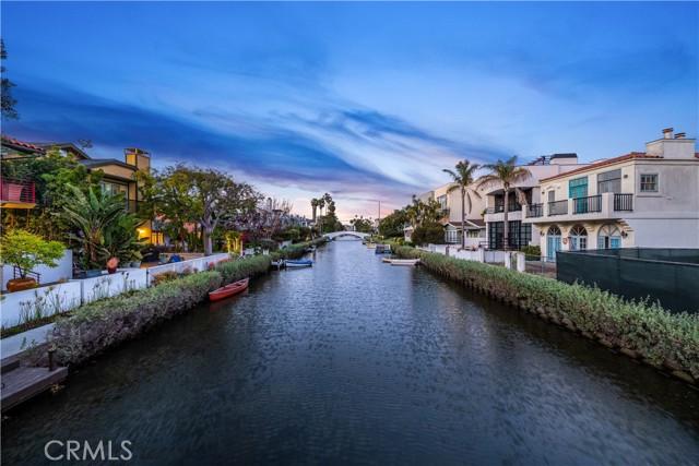 230 Linnie Canal, Venice, CA 90291 photo 4