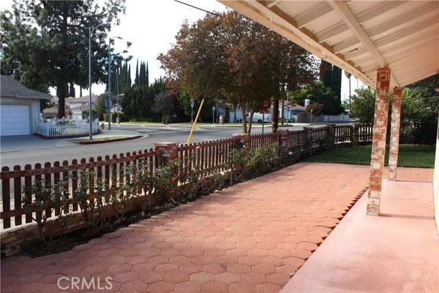 10502 White Oak Avenue, Granada Hills CA: http://media.crmls.org/mediascn/3bb2e2f4-09c5-4d65-b4bc-36411a53af22.jpg