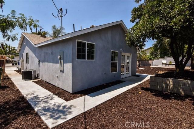 8060 Matilija Avenue, Panorama City CA: http://media.crmls.org/mediascn/3be191db-25ff-4981-ab3f-a3311f1275eb.jpg