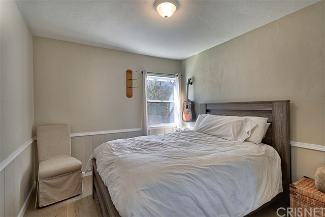 10850 Foothill Boulevard, Lakeview Terrace CA: http://media.crmls.org/mediascn/3bebb1b1-08f6-4790-b8b6-7fd3de77d8a5.jpg