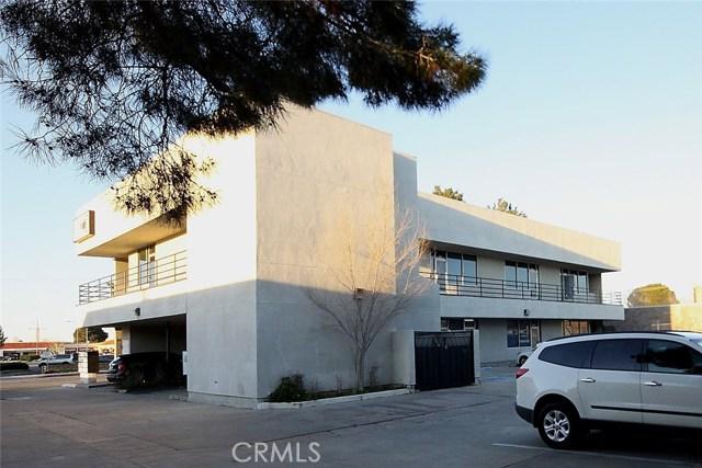 Oficinas por un Venta en 936 W Avenue J4 Lancaster, California 93534 Estados Unidos