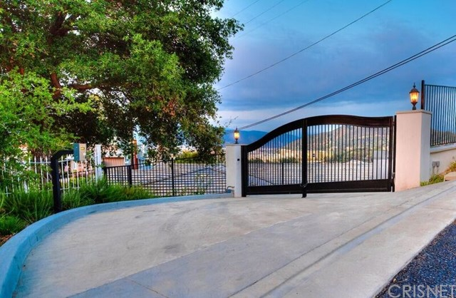 3548 Multiview Dr., Los Angeles CA 90068