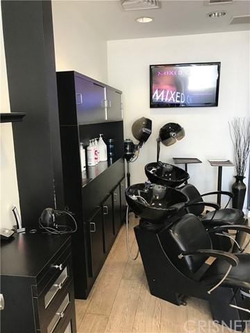 Business Opportunity for Sale at 729 Montana Unit 3&4 729 Montana Santa Monica, California 90403 United States