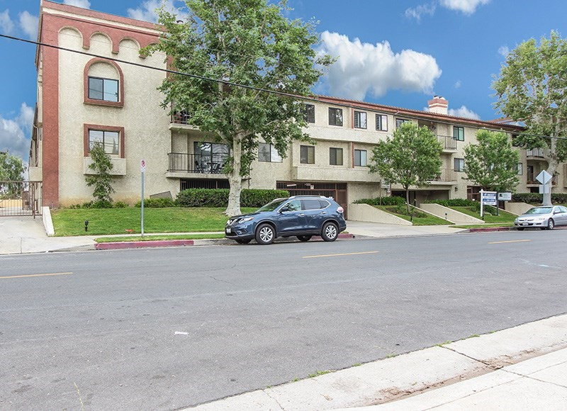 9960 OWENSMOUTH Avenue 15, Chatsworth, CA 91311