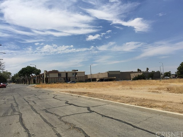 3 Street East and Palmdale Boulevard, Palmdale CA: http://media.crmls.org/mediascn/3ce3a7be-4ec2-4b87-9189-43c37787388e.jpg