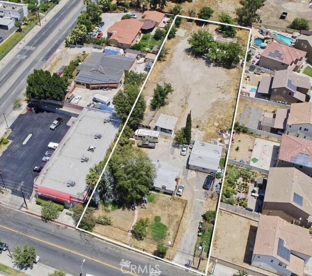 13148 Gladstone Avenue, Sylmar CA: http://media.crmls.org/mediascn/3ce9c5da-0760-49ae-9551-2a1a7b3bc50b.jpg