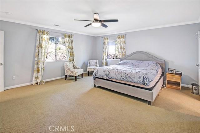 6601 Enfield Avenue, Reseda CA: http://media.crmls.org/mediascn/3d03e699-31df-4644-8f42-3c130bd2bd5e.jpg