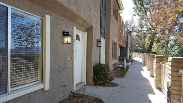 26951 Avenida Terraza, Saugus, CA 91350 Photo