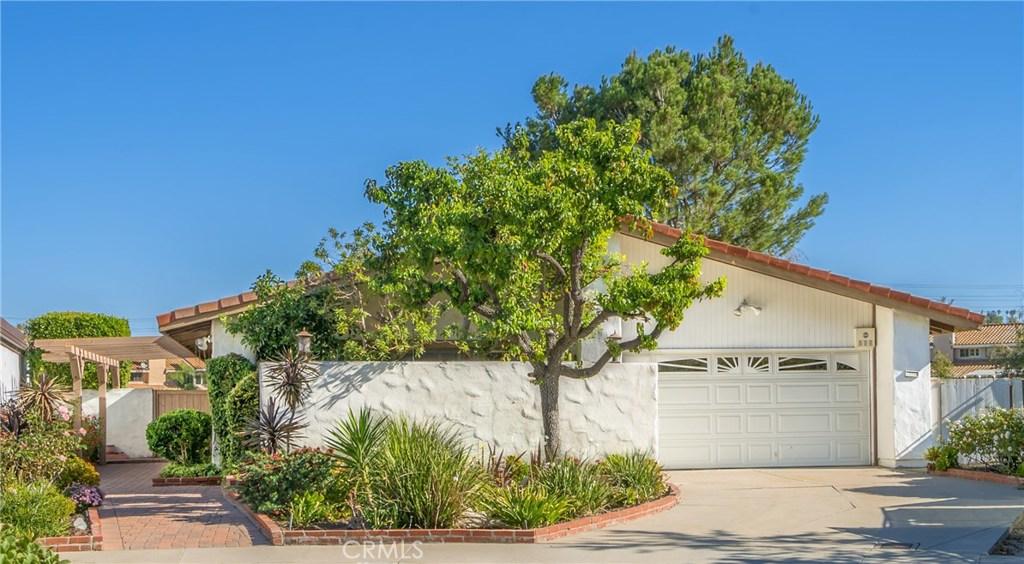 Property Listing: 23107 Park Contessa, Calabasas