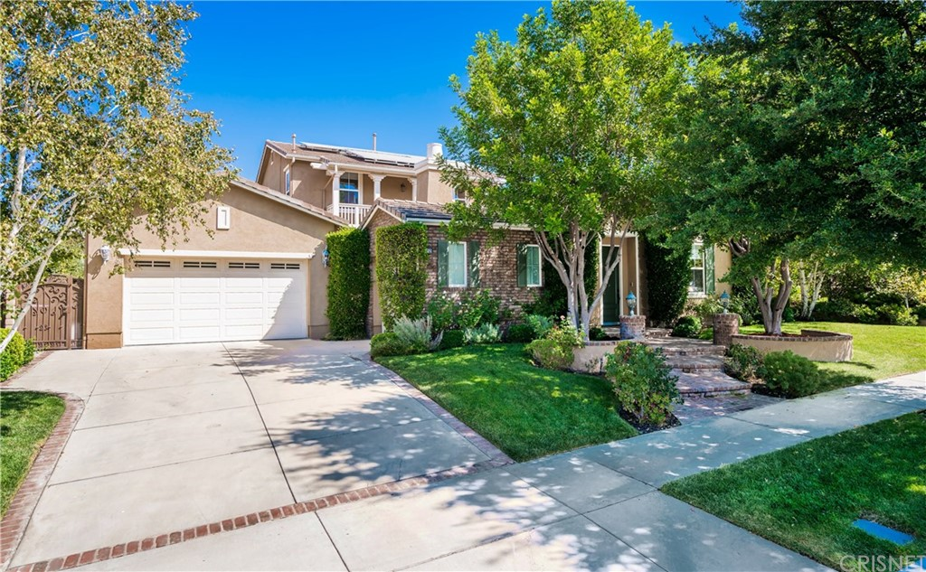 Photo of 26452 BLACK OAK DRIVE, Valencia, CA 91381