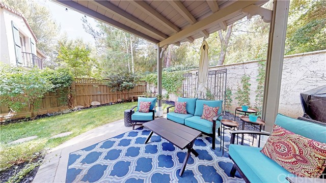 26900 Monterey Avenue, Valencia CA: http://media.crmls.org/mediascn/3d9fc3b6-17c6-41ae-be23-3b00e26a351e.jpg