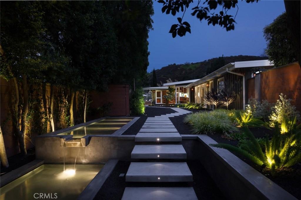 15005 Sunstone Place, Sherman Oaks, CA 91403