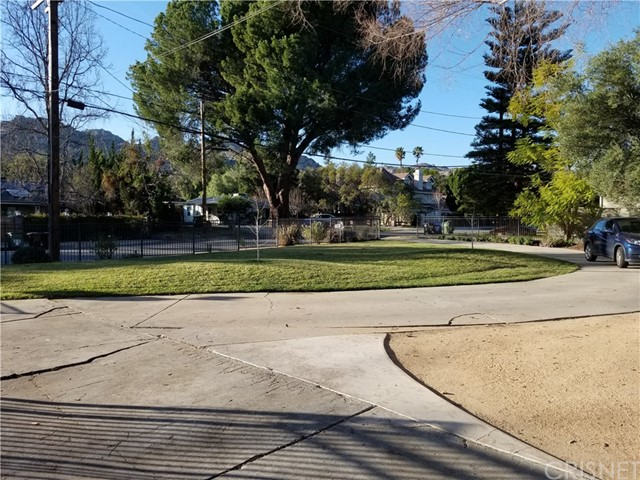 9816  Shoup Avenue 9816  Shoup Avenue Chatsworth, California 91311 United States
