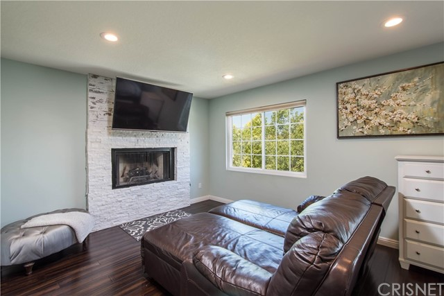 24211 Bella Court Newhall, CA 91321 - MLS #: SR17198096