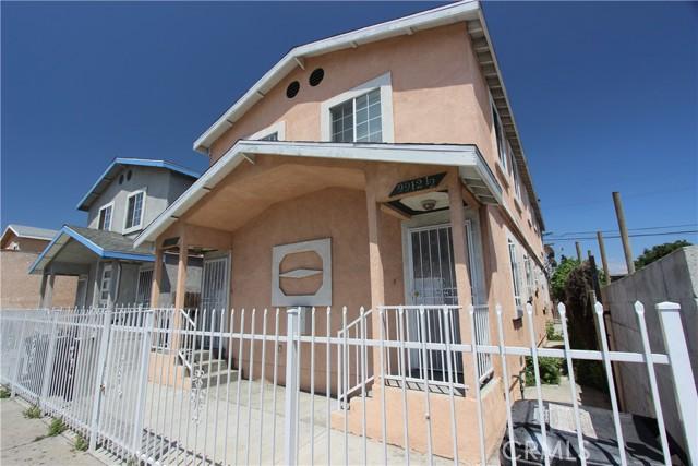 9912 S San Pedro Street, Los Angeles CA: http://media.crmls.org/mediascn/3e34b1a9-881f-41ba-a37f-4a5f4b1bccb8.jpg