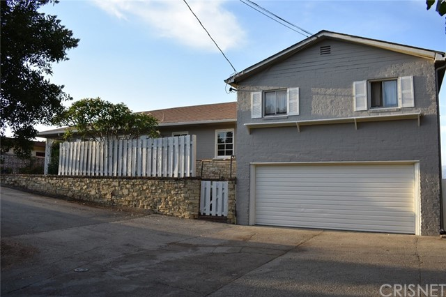 2864 Pacific View Trail, Hollywood Hills, CA 90068