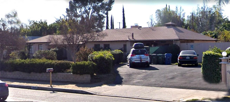 Photo of 23050 Victory Boulevard, Woodland Hills, CA 91367