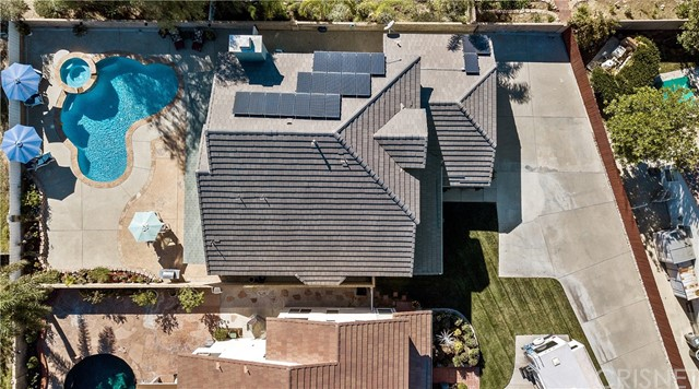 28225 Bel Monte Court, Canyon Country CA: http://media.crmls.org/mediascn/3eaf3b4c-ca1f-48bf-9c04-cd97d12d72ee.jpg
