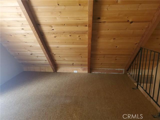 2056 Woodland Drive, Pine Mountain Club CA: http://media.crmls.org/mediascn/3f3ab155-6b68-433c-9589-34d732faf349.jpg