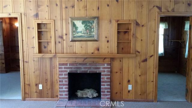 17540 Kingsbury Street, Granada Hills CA: http://media.crmls.org/mediascn/3fb6ab32-28be-44d2-9df9-d4befce5bba1.jpg