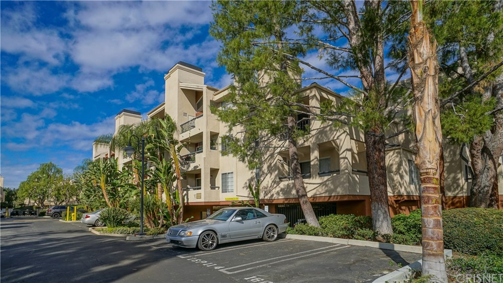 Photo of 21520 Burbank Boulevard #203, Woodland Hills, CA 91367