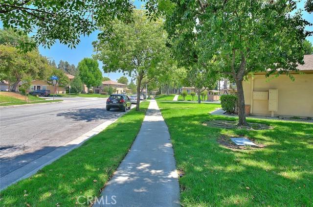 1257 N Avenida De La Suerte, Azusa CA: http://media.crmls.org/mediascn/3fd19d92-71be-4847-99da-b069b913c9fd.jpg
