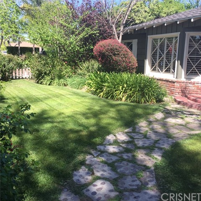 6100 Longridge Avenue, Valley Glen, CA 91401