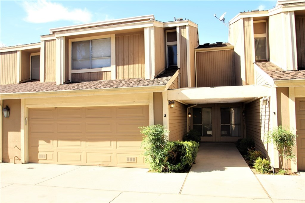 Photo of 18115 ANDREA CIRCLE #2, Northridge, CA 91325