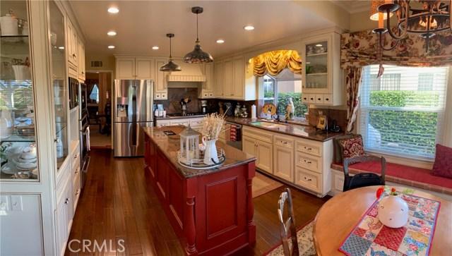 11919 Silver Crest Street, Moorpark CA: http://media.crmls.org/mediascn/4026092b-9624-4045-ad5f-90610b7cf4a3.jpg