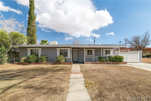 Detail Gallery Image 1 of 26 For 39060 11th St, Palmdale,  CA 93551 - 3 Beds | 2 Baths