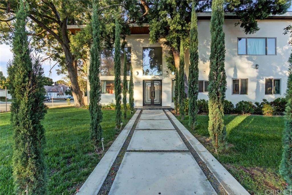Photo of 15373 VALLEY VISTA BOULEVARD, Sherman Oaks, CA 91403