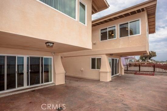 6745 6747 Del Playa Drive, Isla Vista CA: http://media.crmls.org/mediascn/40bb997c-fa6b-48b2-b30d-d64cc38940fd.jpg