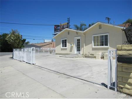 6360 Peach Avenue Van Nuys, CA 91411 - MLS #: SR17208621