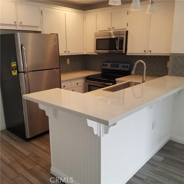Condominium for Rent at 25035 Peachland Avenue Newhall, California 91321 United States
