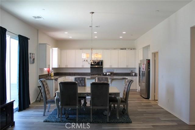 43942 Windrose Place, Lancaster CA: http://media.crmls.org/mediascn/414b92ca-ff34-4c4d-bd63-ae96738d15c9.jpg