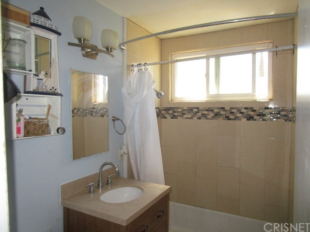 44745 Andale Avenue, Lancaster CA: http://media.crmls.org/mediascn/414db4ff-e933-4504-9c9f-778e016ab6d5.jpg