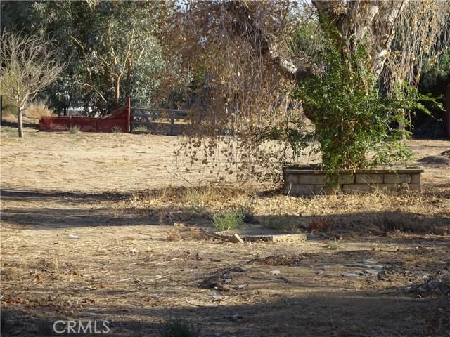 17308 Valeport Avenue, Lancaster CA: http://media.crmls.org/mediascn/41578227-1b26-4ddc-aae4-37d0de52607a.jpg