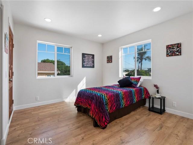 329 E Hazel Street, Inglewood CA: http://media.crmls.org/mediascn/4157fd2a-efea-44d2-b8e5-07822bee8cf4.jpg