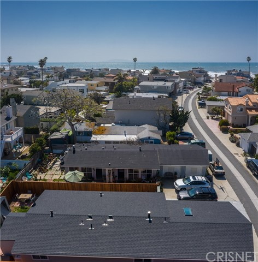 1238 1240 Devon Lane, Ventura CA: http://media.crmls.org/mediascn/417f23f8-9dd4-4d18-964f-61082a7e0377.jpg