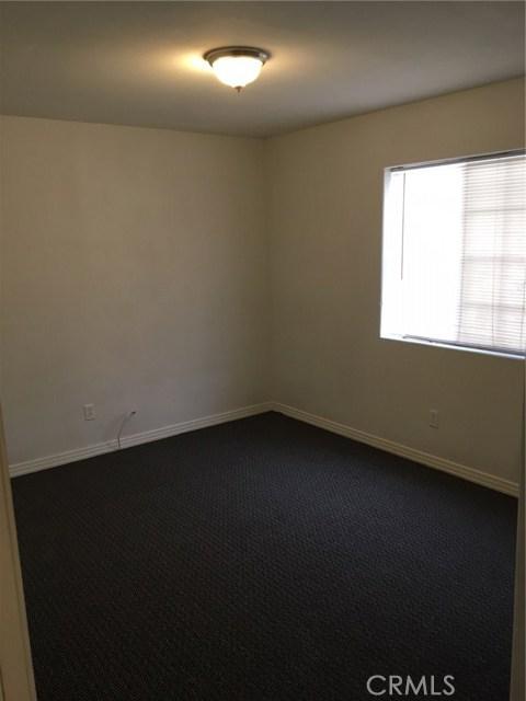9700 Graham Avenue, Los Angeles CA: http://media.crmls.org/mediascn/41c15457-e6c6-4d46-923c-0ad95426de53.jpg