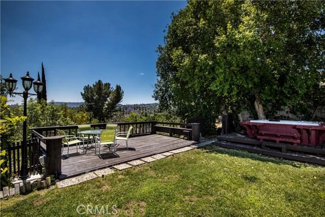 5814 Mcdonie Avenue, Woodland Hills CA: http://media.crmls.org/mediascn/41e87d90-88fc-4bf5-aa70-c89fd51ef075.jpg