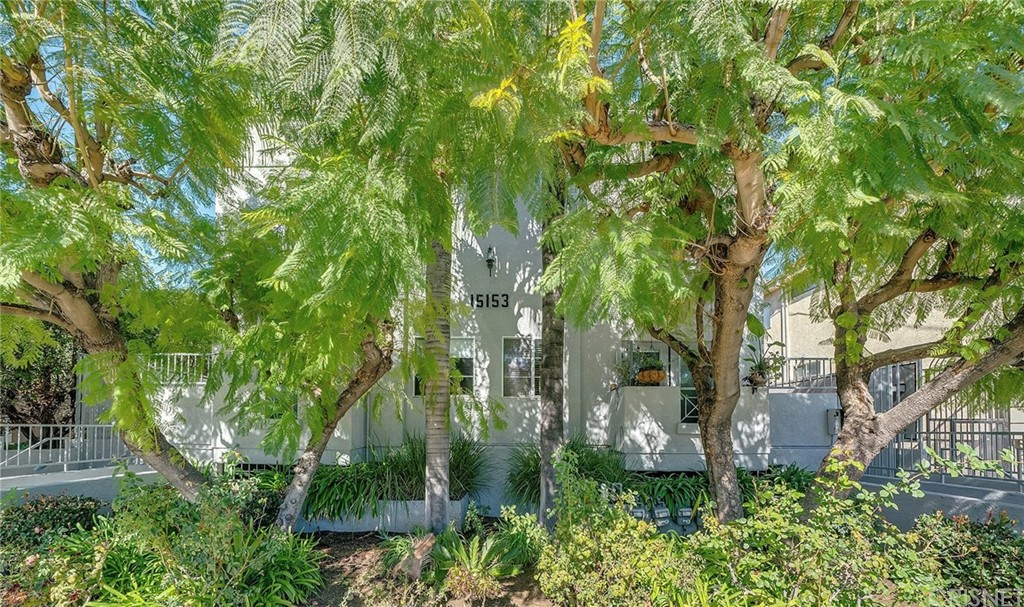 Photo of 15153 BURBANK #8, Sherman Oaks, CA 91411