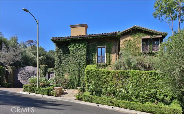 15750 Castlewoods Drive, Sherman Oaks CA 91403