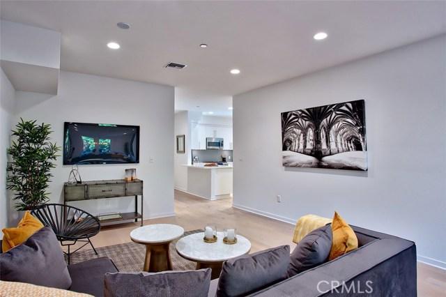 4240 Laurel Canyon Boulevard 106, Studio City, CA 91604